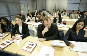 2月16日 法国里昂IDRAC高等商业管理学院《信息系统管理与设计》
