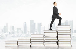 5月29日 法国Inseec高等商业学院《如何迈出创业的第一步》